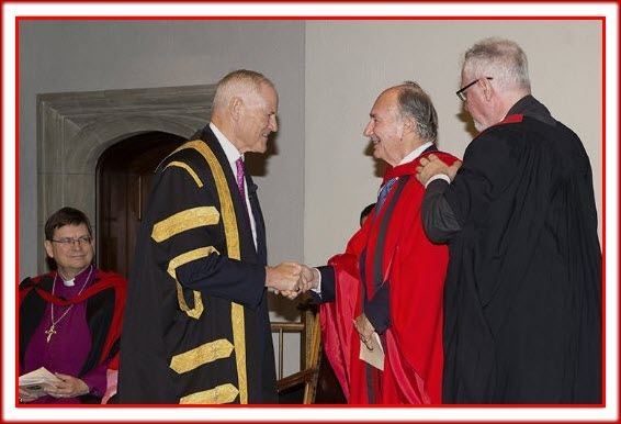 Chancellor Graham confers the honorary degree upon His Highness the Aga Khan