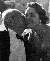 A loving kiss from the Aga Khan to Mata Salamat